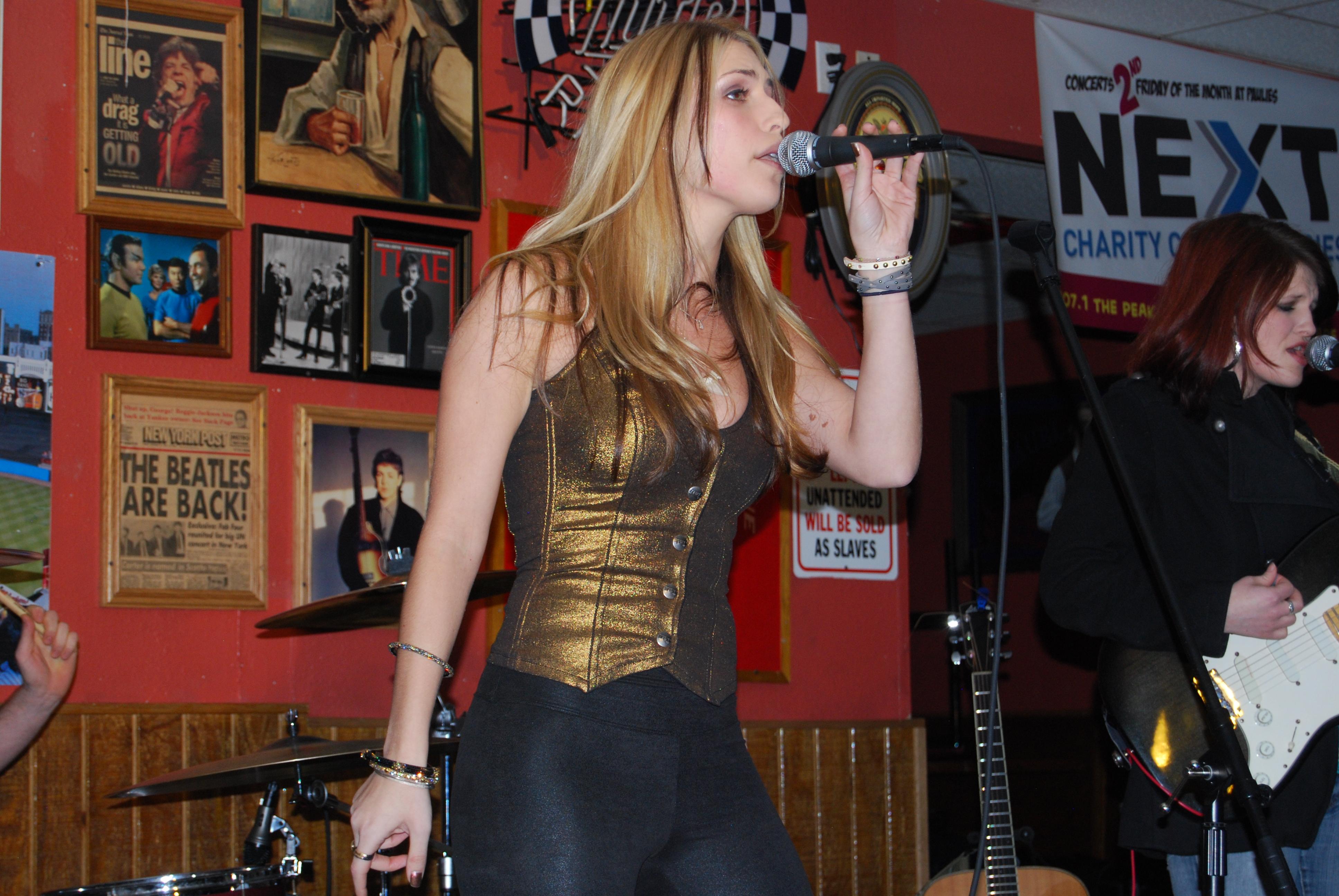 Live EP: Victoria Herrman